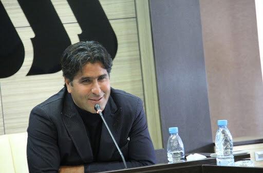 سرمربی آرمان گهر سیرجان: به مسئولان التماس می کنم لیگ را تعطیل نمایند