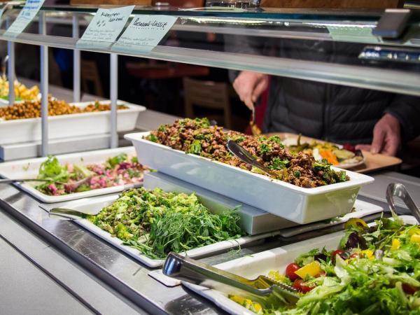 رستوران های گیاهی؛ از دیزی و چنجه تا سبزی پلو با جلبک!